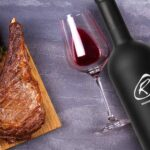 Rib Eye Stake στο Φούρνο με ένα ποτήρι κόκκινο κρασί!